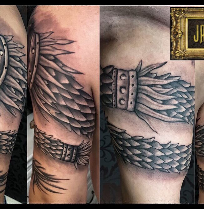 tatuaj bufnita alb negru pret tatuaj, salon tatuaje bucuresti, salon tatuaje, tatuaje bucuresti, tatuaje sector 3, tatuaje sector 2, tatuaje sector 4
