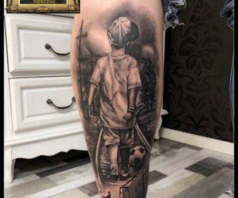 baietel cu minge de fotbal tatuaje baba novac pret tatuaj salon tatuaje bucuresti tatuaje bucuresti tatuaje sector 3 tatuaje mall vitan baba novac tattoo